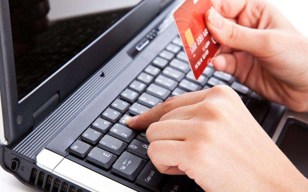 KNF apeluje: należy zachować szczególną ostrożność podczas dokonywania opłat za zakupiony towar przez pośrednika