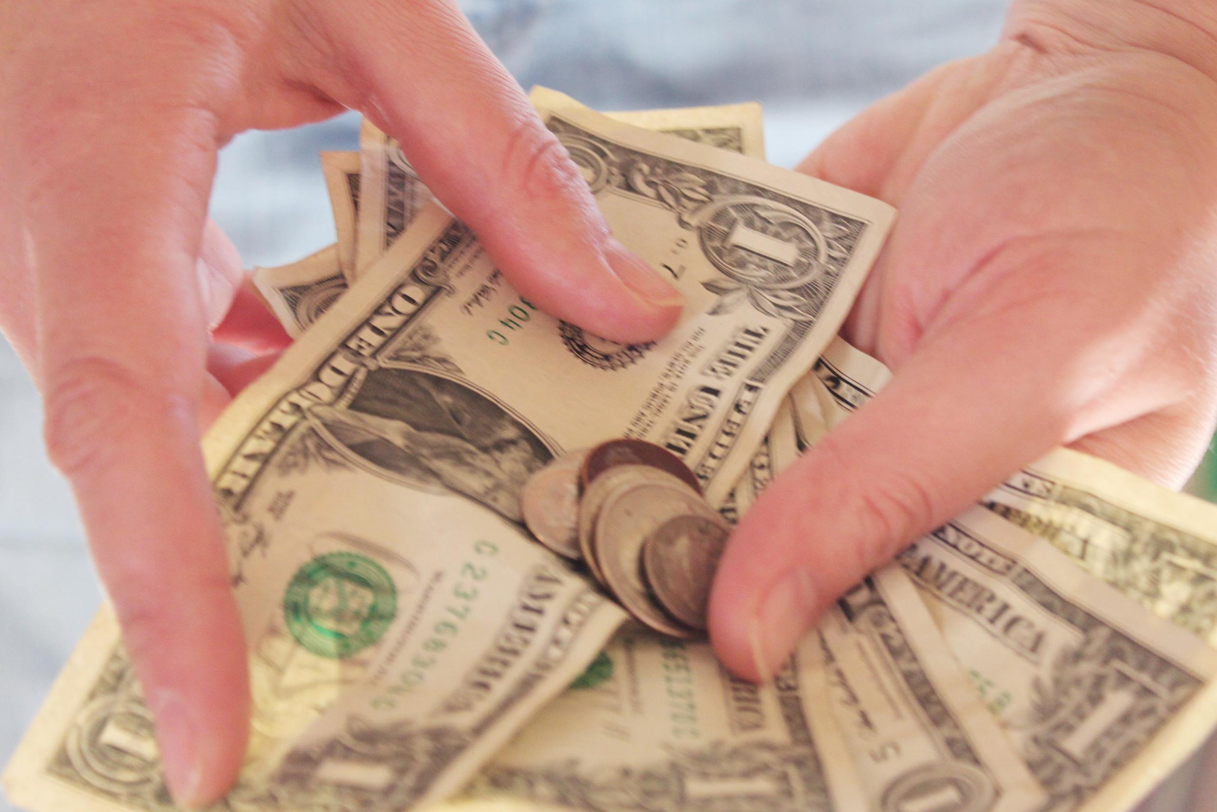 KNF ostrzega: dopuszczasz pośredników do systemu płatności w twoim sklepie internetowym? Uważaj, żeby klient nie został oszukany.